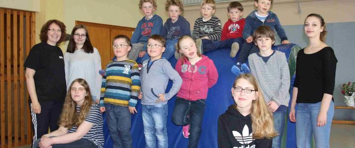 """10 Jahre """"Bunte Kinderwelt"""" des TV Neuenburg unter Leitung von Sylvia Fangmann"""